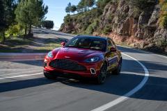 Aston Martin DBX Front4